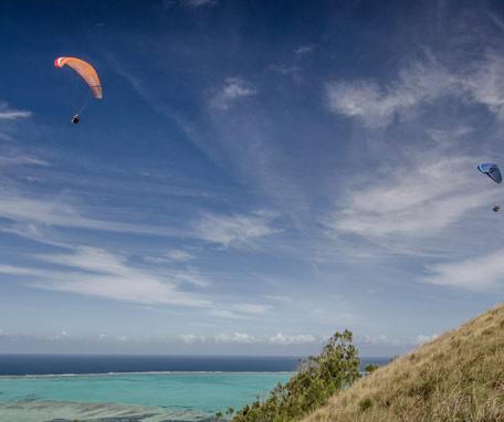 Paragliding in Poé in New Caledonia