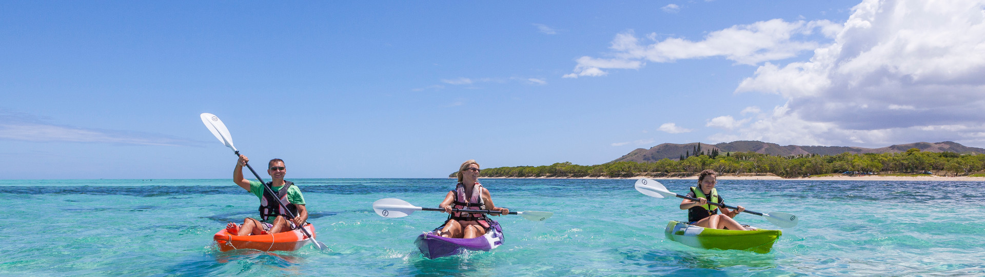 Caledonian culture : canoe kayak activity on the New Caledonia lagoon