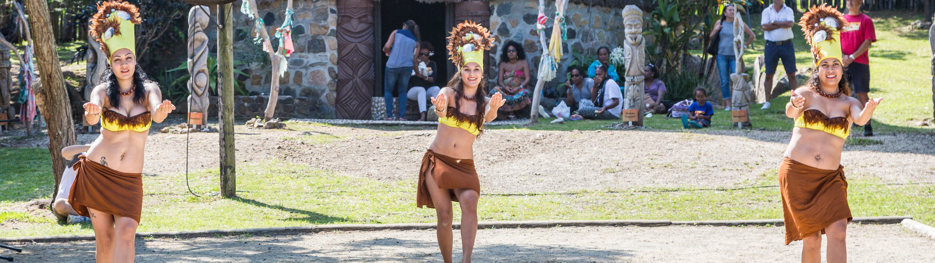 Tahitian dance animation  at the tjibaou cultural center