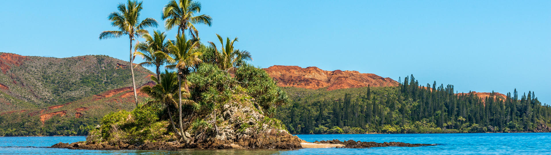 Islet and lagoon in Thio in New Caledonia