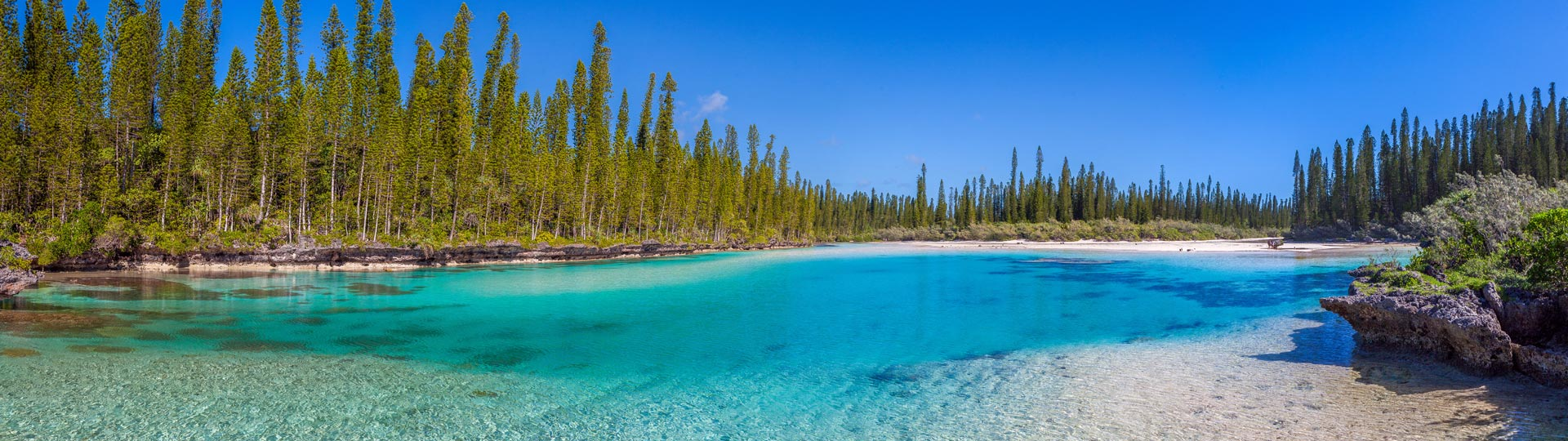 Travel to new caledonia oro bay for Piscine naturelle ile des pins