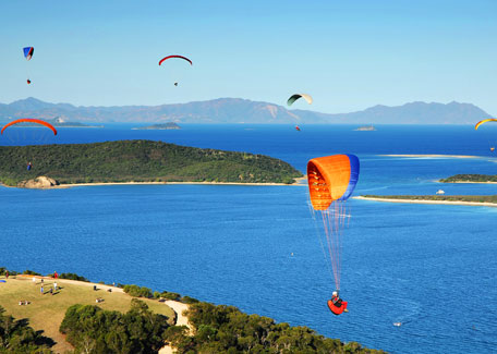 Paragliding in the Ouen Toro in Noumea