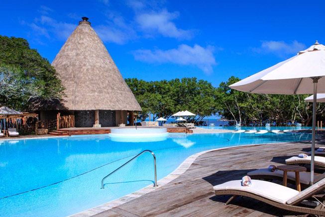 Sheraton New Caledonia Deva pool